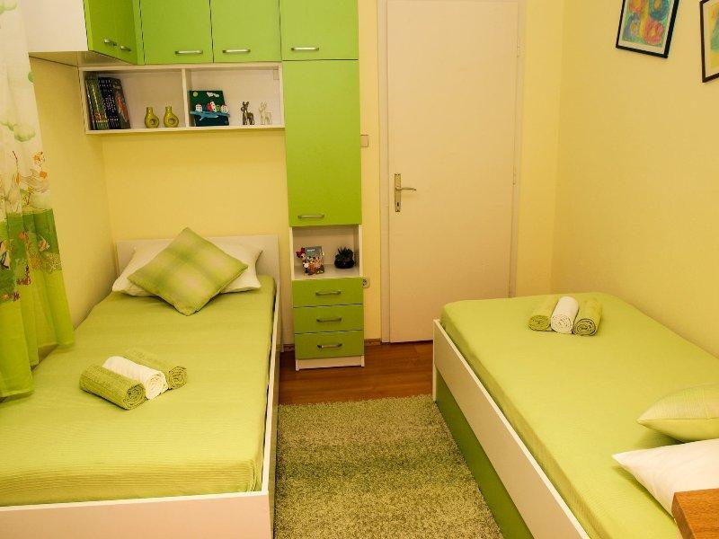 A1 (4): chambre à coucher