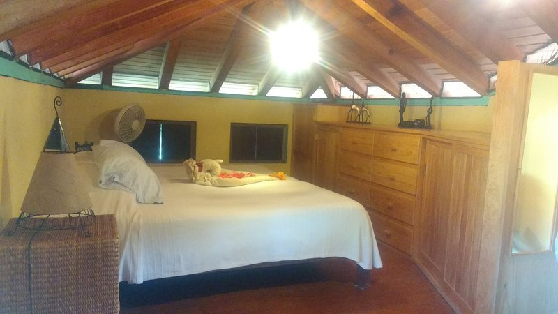 Casa Conejo - Private up to 3 people, holiday rental in Troncones