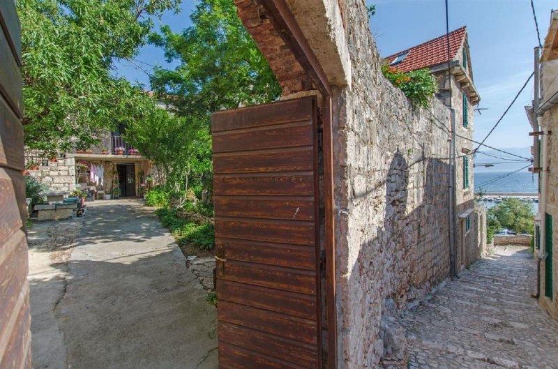 Jerkica A1(4) - Sutivan, vacation rental in Brac Island