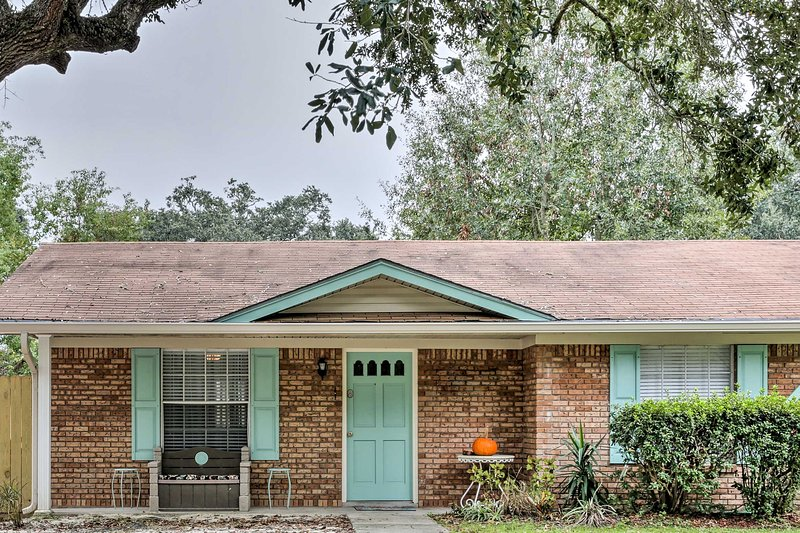 You're sure to have an unforgettable escape when you stay at this 1-bedroom, 1-bathroom vacation rental duplex, which sleeps 6 in Long Beach, Mississippi.