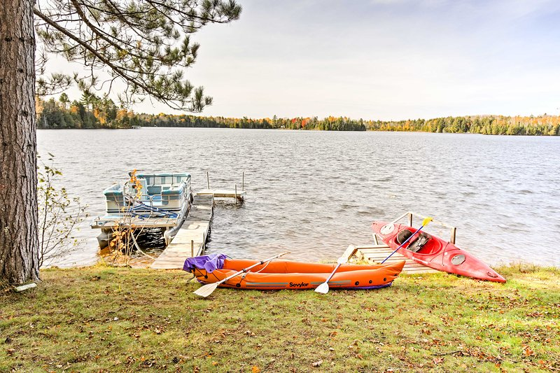 South Turtle Lake Studio w/Fishing Pier & Fire Pit, vacation rental in Manitowish Waters