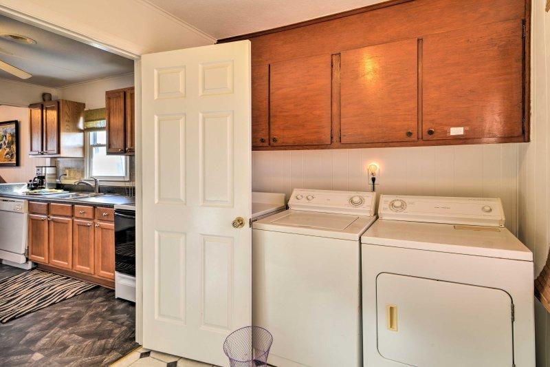 Vi sentirete come a casa con la comodità di lavatrici in unità.