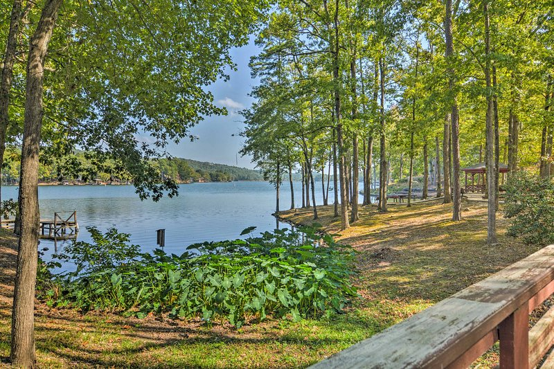 Elevate your lakeside getaway at this 3-bedroom, 3.5 bathroom vacation rental townhome in Hot Springs Village.