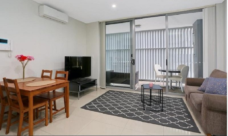 Parramatta Apartment - Opposite Parramatta Westfield and Train, vacation rental in Granville