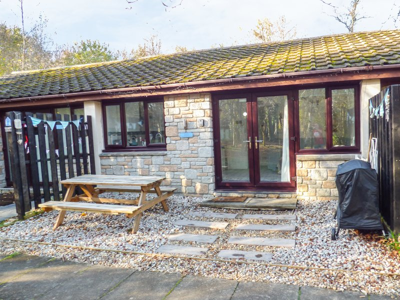 MERMAIDS REST, open plan, electric woodburning stove, woodland views, Ref 969640, location de vacances à Lelant