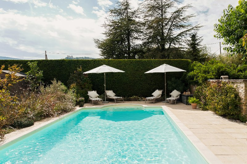 Pretty 4 star, 2 bedroom gite stunning views, Bonnieux, vacation rental in Bonnieux