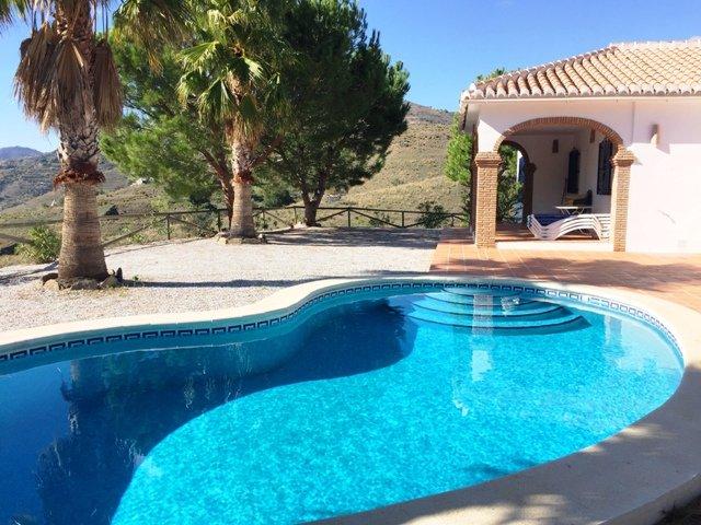 Villa Rosa con piscina privada, vacation rental in Competa