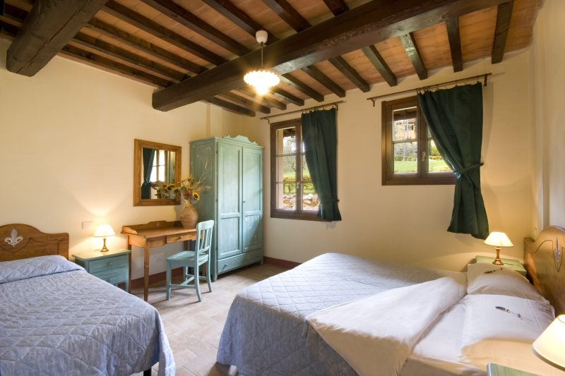 Agriturismo Belmonte - 1 bedroom apartment and panoramic pool, holiday rental in Palagio