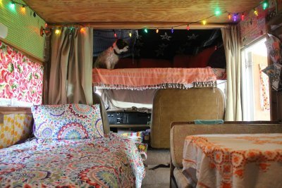 Cozy, hip and eclectic! You'll feel like you're on an adventure even tho you're sitting still!