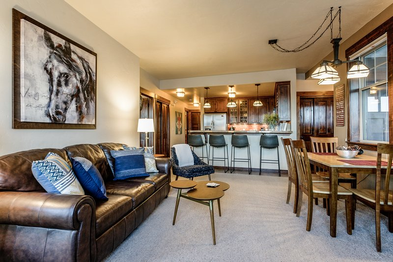 Professionally redesigned condo in the Grand Park community