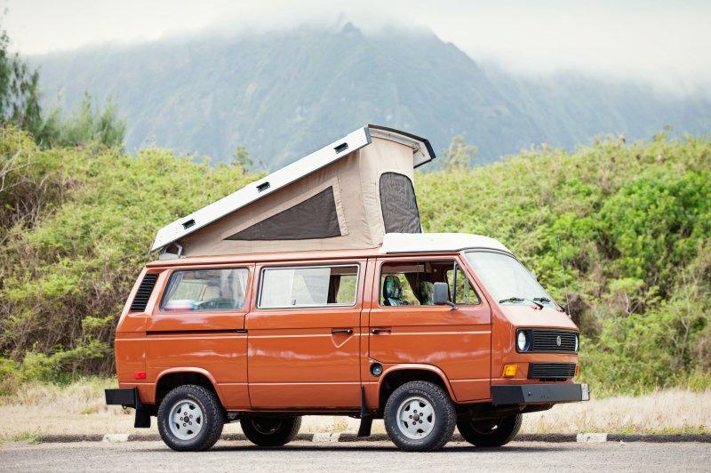 Oahu Camper Van for Hire. See Hawaii your way in a Classic VW pop top Camper Van, alquiler de vacaciones en Kahala