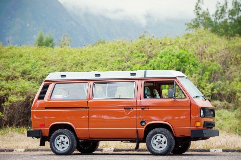 Oahu Camper Van for Hire. See Hawaii your way in a Classic VW pop top Camper Van, aluguéis de temporada em Kahala