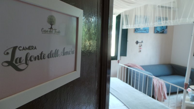 casa del fonte romantic B&B room, holiday rental in Stacciola