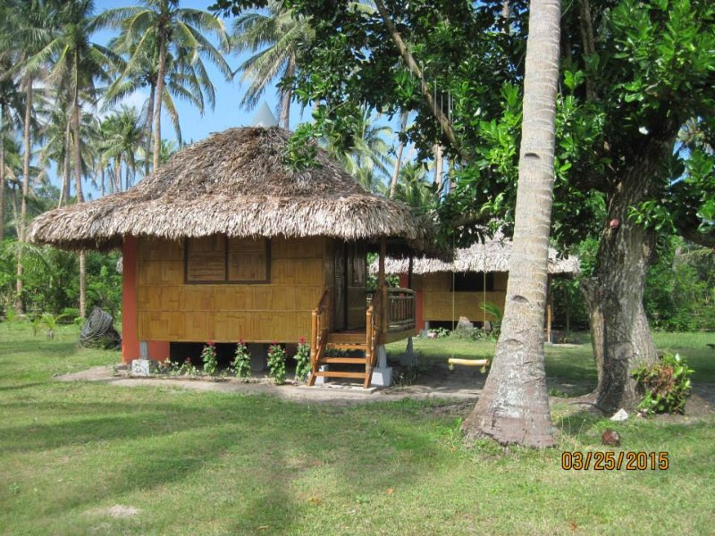 Suki Beach Resort - Bamboo House 'C' Studio Style, vacation rental in Bicol Region