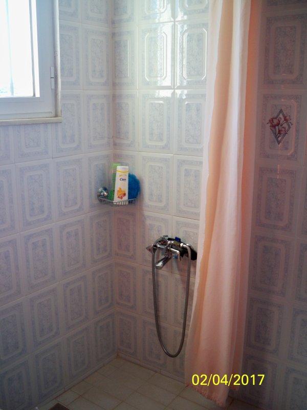 PRIVATE BATHROOM / TOILET
