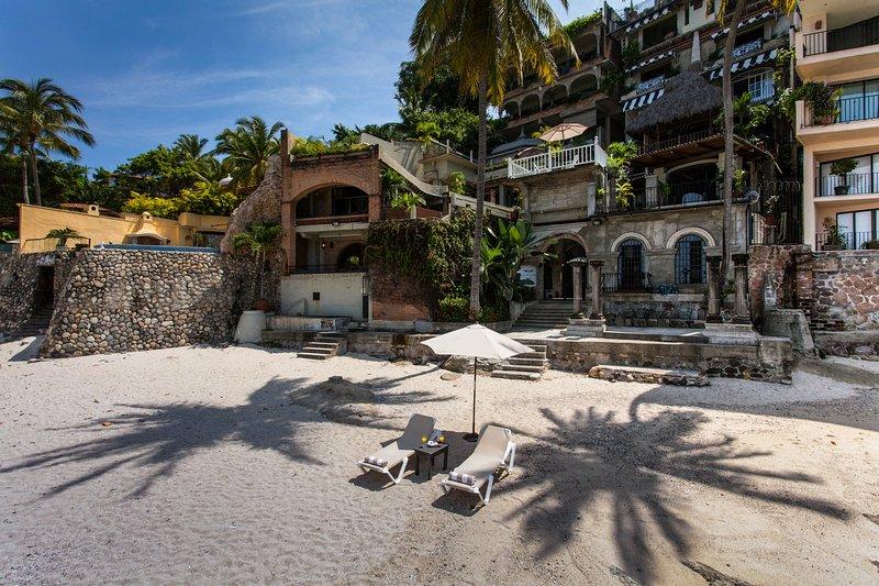 Beach in front of Casa Tres Vidas ans sister property Quinta Maria Cortez