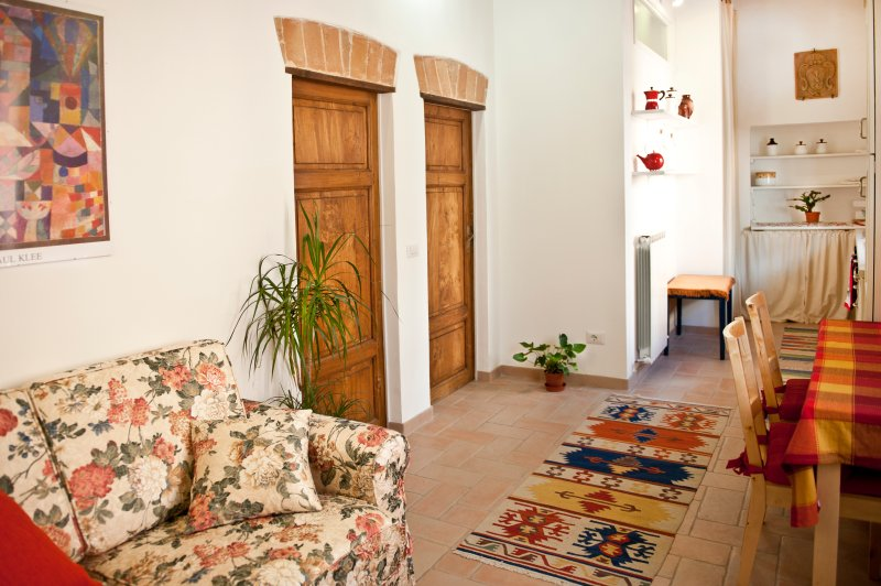 'Perugia Antica'  Sunny Holiday Apartment with Panoramic View, Good position, alquiler vacacional en Perugia