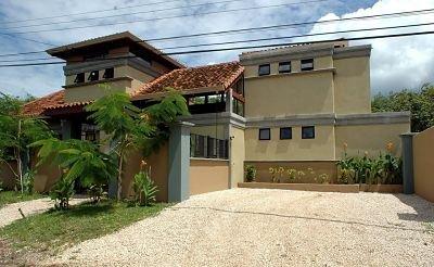 Casa Maya grande casa para famílias extensas, 4 quartos, 3 banho, piscina, 2 min. para a praia