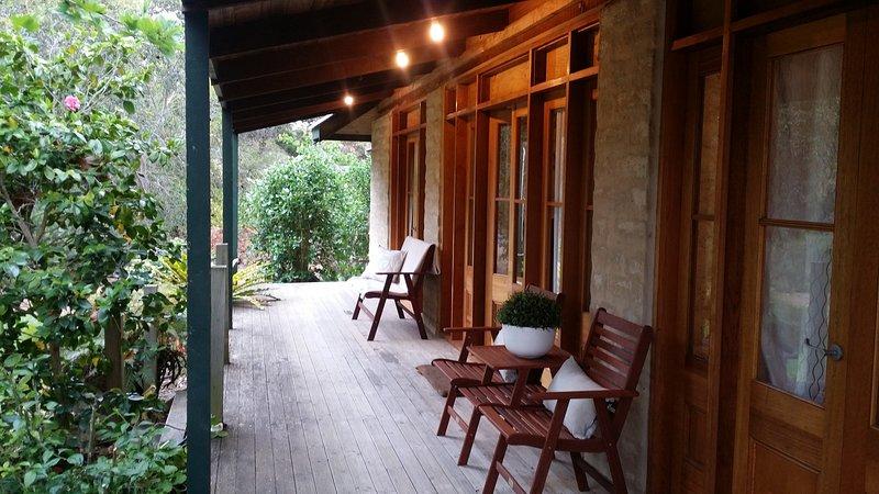 Seaside Garden Cottages:'The Cottage' & 'Studio' 5 Bedrooms, alquiler vacacional en Kingscote