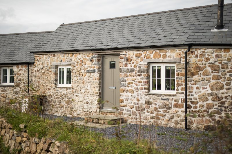 The Blacksmiths - Luxury Cottage, Countryside Views, Pet Friendly, vacation rental in Llanteg