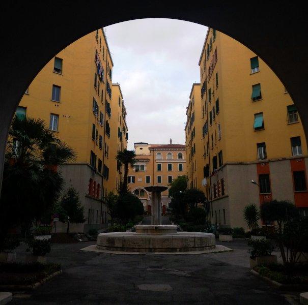 A fonte no interior da residência Bernazza Parque
