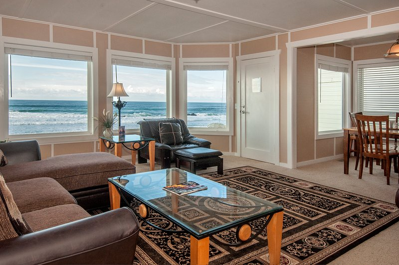 sala de estar w / vista panorámica.
