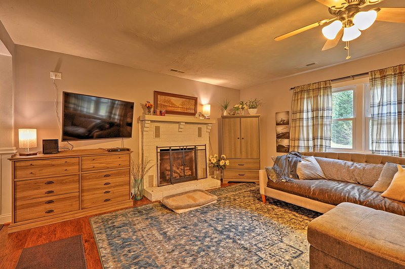 Fall in love with this 2-bedroom, 1-bathroom vacation rental home in Virginia!