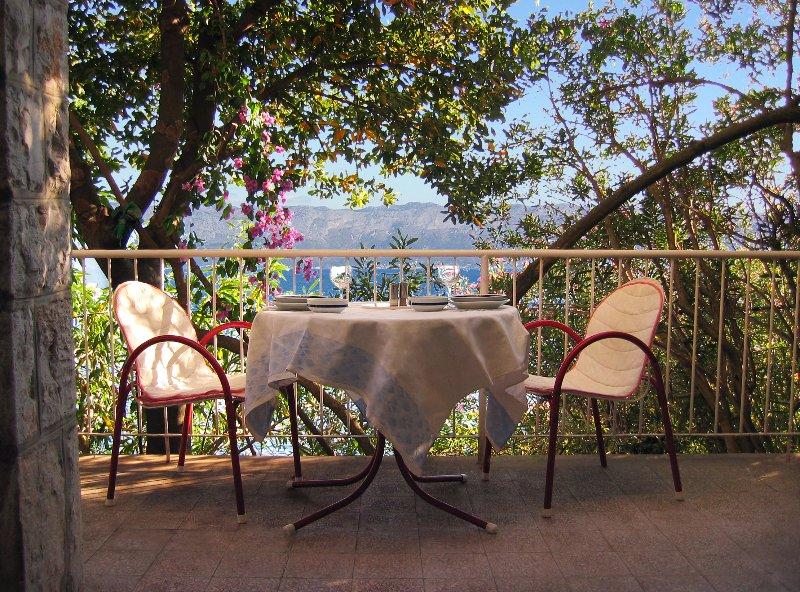 Villa Greta - 3 Bedroom Beachfront Villa - Croatia, holiday rental in Peljesac Peninsula