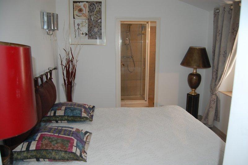 Appartement Victoria 1 au Chateau de la clapiere à hyeres les palmiers, location de vacances à Pierrefeu-du-Var