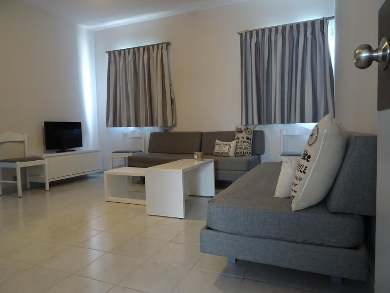 Cosmos Apartments - Apartment 1, holiday rental in Ialyssos