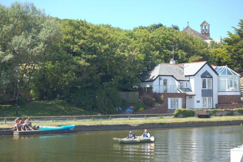 Bude Canal - rowing boat hire