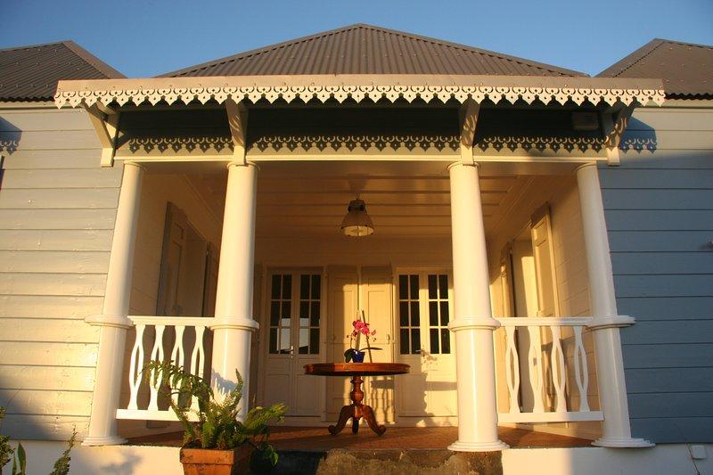 "Den ""veranda"", traditionell entré till Case Creole."