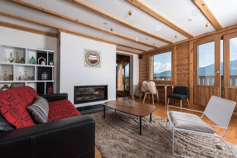 GRAND CHALET MERIBEL CONFORT10 PEOPLE LABEL 4 STARS EXCEPTIONAL VIEW OF THE MOUNTAINS