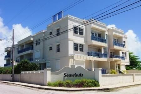 Beautiful 1bed apartment all the comforts of home  only steps  from the beach, holiday rental in Silver Sands