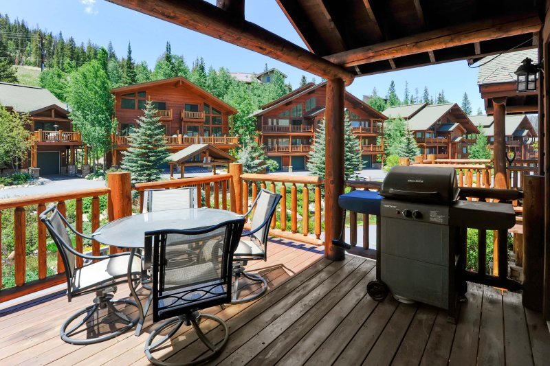 Wonderful deck with BBQ and outdoor seating