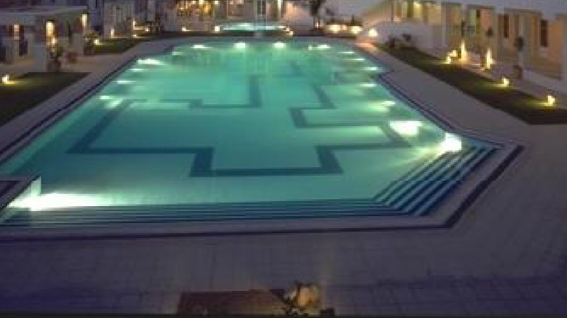 The private pool is only 10m from the house