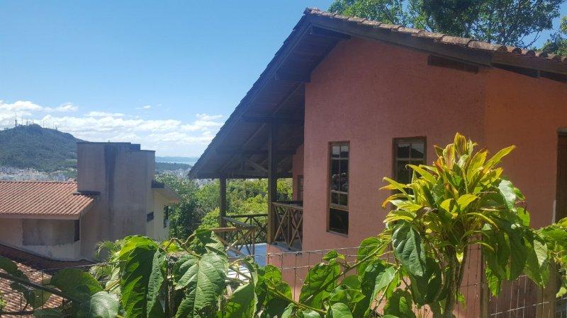 No coração da cidade, conforto e tranquilidade!, location de vacances à Sao Jose