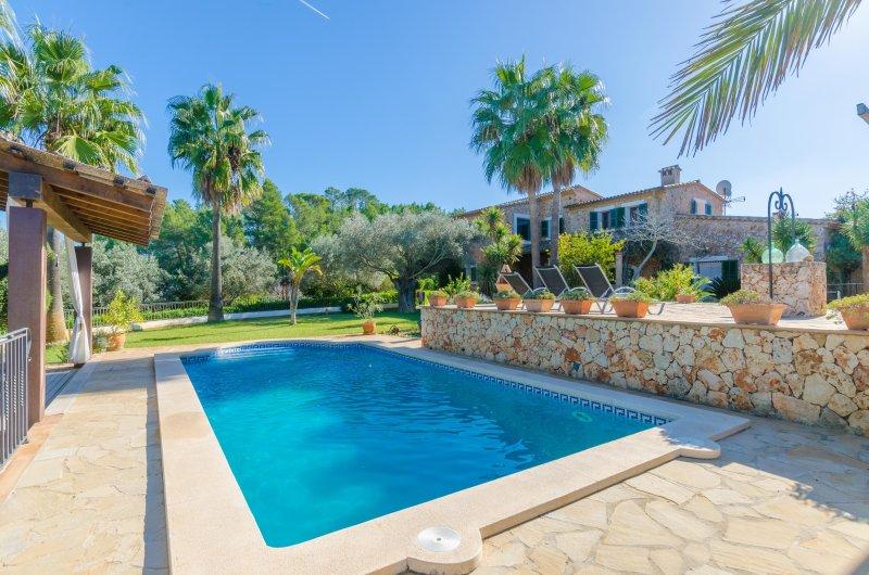 PUIG DEN CONET - Villa for 8 people in COSTITX, vacation rental in Costitx