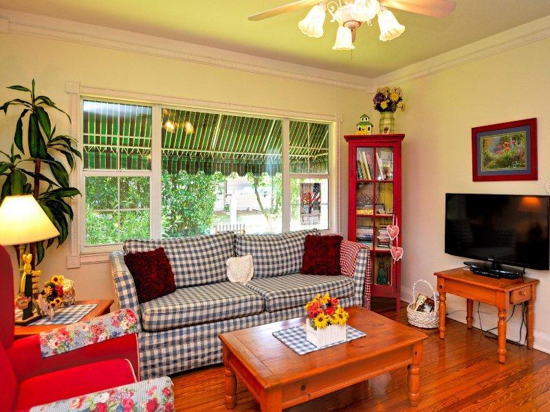 Gezellige woonkamer met flatscreen-tv