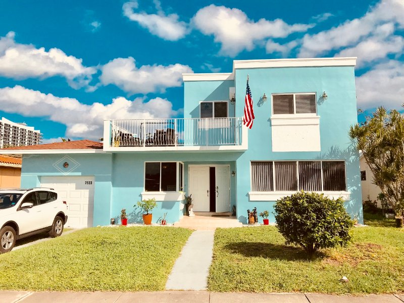 BLUE HOUSE, holiday rental in North Bay Village