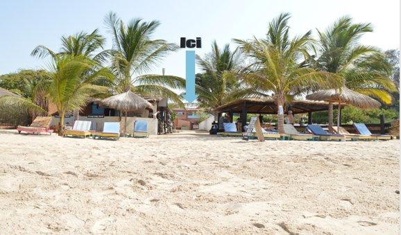 Magnifique villa de 450 m2 avec piscine privée et plage semi privée, aluguéis de temporada em Mbour