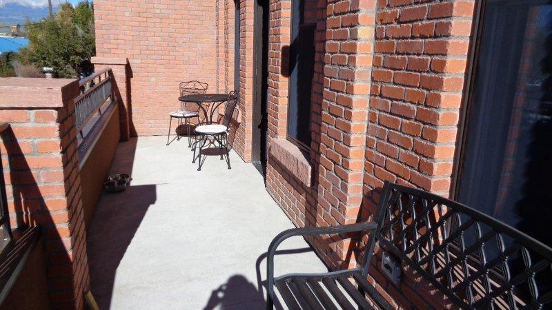 Balcón con zona de estar (hacia el sur)