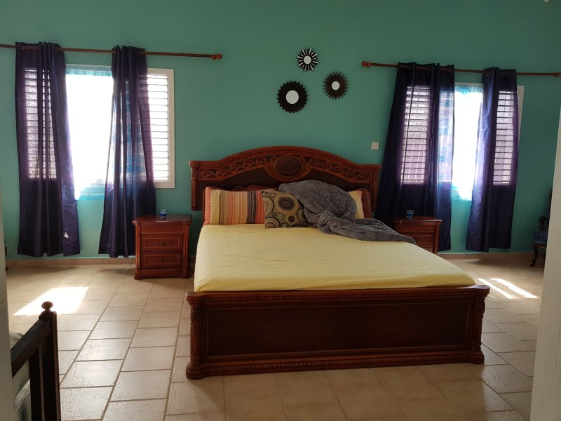 Super Enorma sovrum med två promenad i garderober, 600 kvm.