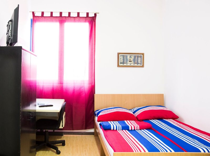 Deluxe Room 1 (With bathroom), casa vacanza a Zemun