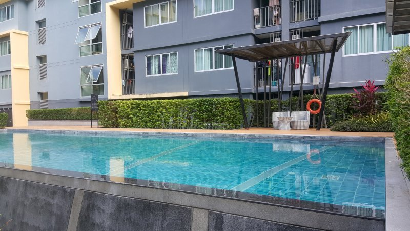 Dcondo Kathu One bedroom lux condo only 15 min Patong Beach, holiday rental in Koh Kaew