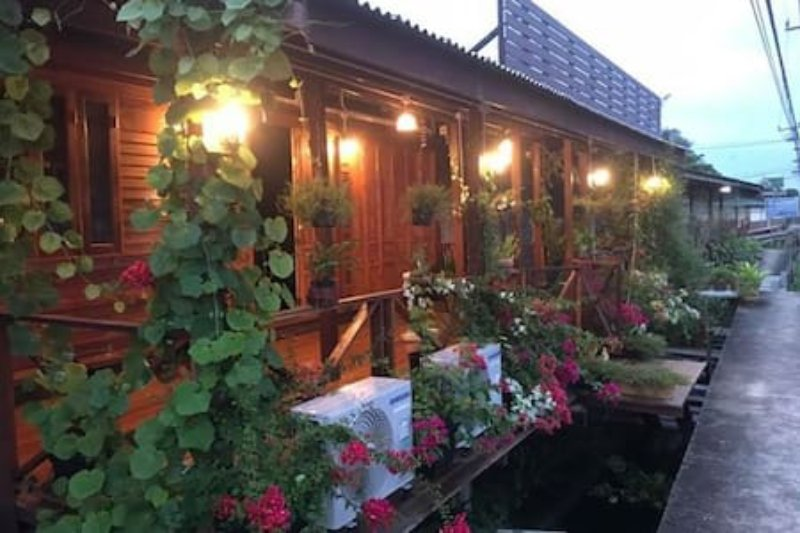 Maa Damnoen B&B, vacation rental in Ratchaburi