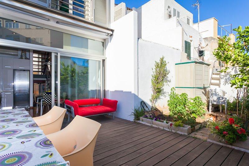 Casa a 100 metros del Paseo MAritimo, alquiler de vacaciones en Playa de Palma