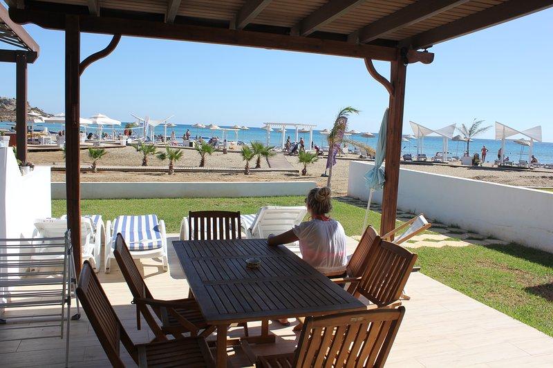 'Caesar Beach' front line luxury beach apartment, alquiler vacacional en Bogaz