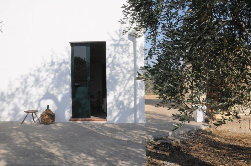 casa di campagna per un ritorno vita agreste e semplice di campagna, holiday rental in Scanzano Jonico