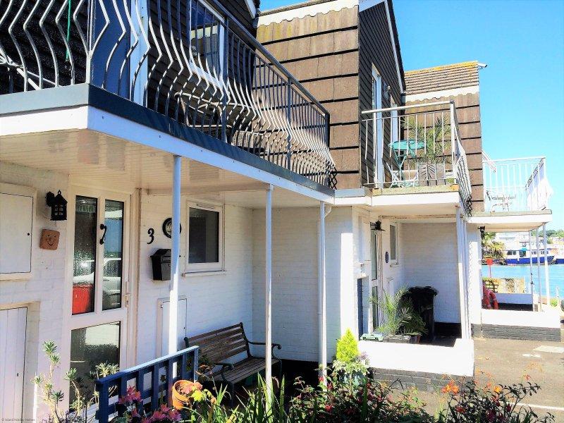 Anchor Cottage - Anchor Cottage 2 bedrooms, sleeps 4, aluguéis de temporada em East Cowes
